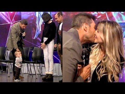 Tinelli abrió Showmatch jugando con Lolo y Juanita y besó a Guillermina