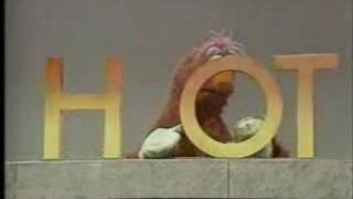 Telly and the word HOT - Classic Sesame Street