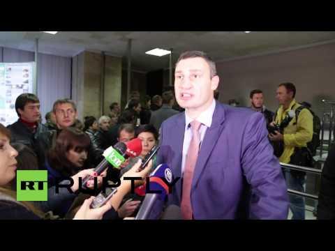 Ukraine: 'No more rats in burrows!' Kiev protesters heckle Klitschko