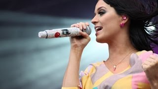 Baixar Katy Perry singing Queen - Don't Stop Me Now - live