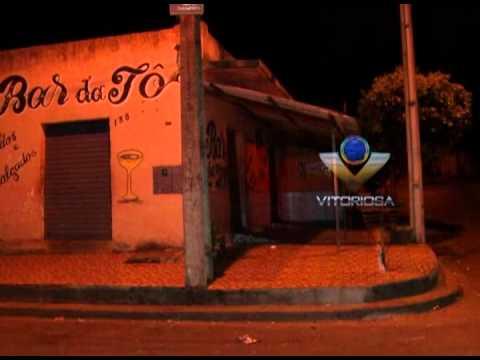 Jovem é assassinado em bar no Canaã