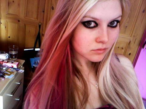 Avril Lavigne Make Up From The Hot Video (requested) video
