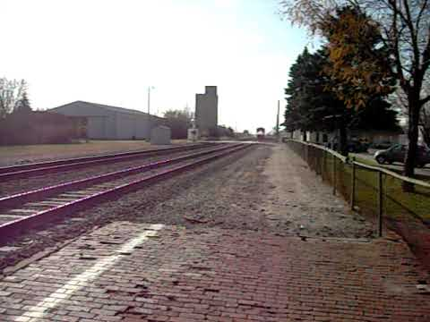 Amtrak Southwest Chief blasting horn through Plano IL