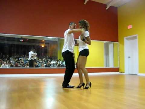 Tanja (La Alemana) and Jorge (Ataca) performing Bachata Music Videos