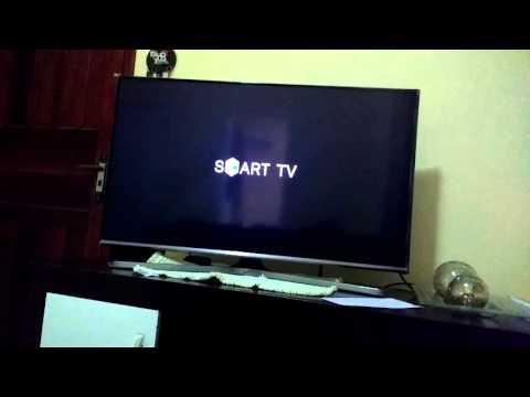 Smart TV Samsung desliga e liga sozinha
