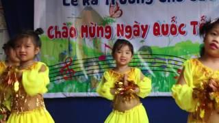 Tiết mục nhảy dumba ấn tượng - Trường Mầm Non Tương Lai Bình Dương