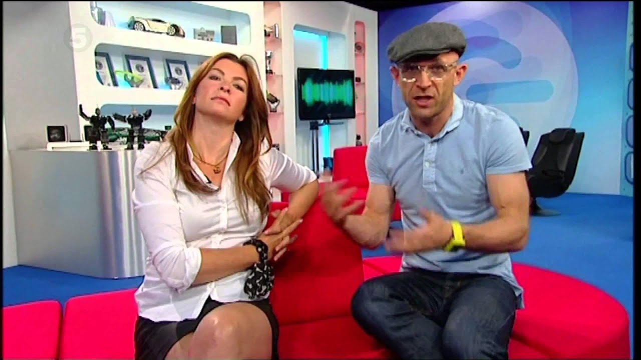 Suzi Perry - The Gadget Show - White Blouse - YouTube