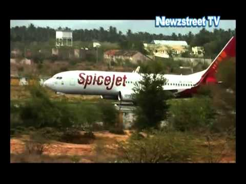 Technical snag in SpiceJet flight SG 451, flight lands safely