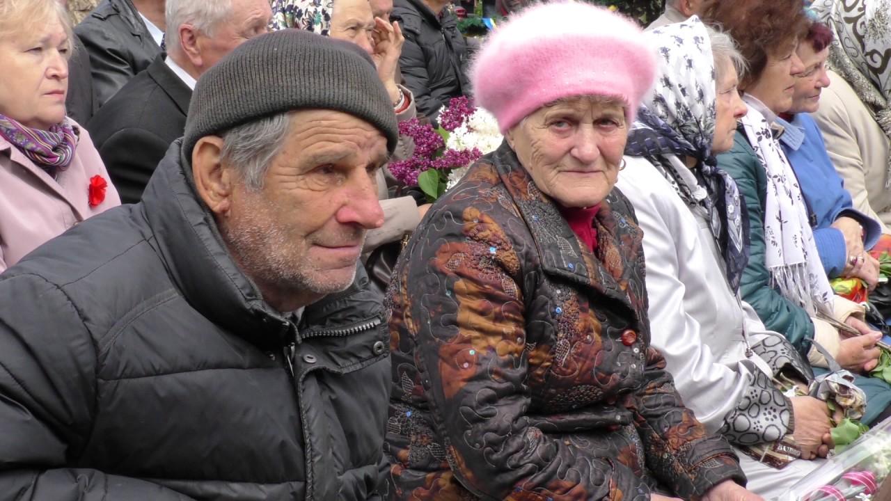 Страшні цифри, салют і поезія. У Калуші вшанували 72-у річницю перемоги у ІІ світовій війні