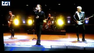 U2 Bono Vox no Vox no stage