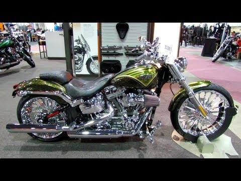 2013 Harley-Davidson Softail CVO Breakout - Walkaround - 2013 Quebec City Motorcycle Show