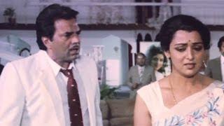 Dharmendra, Hema Malini, Jaan Hatheli Pe - Scene 19/21