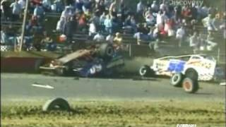 Huge Dirt Modified Crash (Destroyed In Seconds)