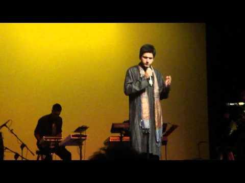 Surili Akhiyon Wale (LIVE)