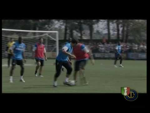 Julio Cesar vs Materazzi Video
