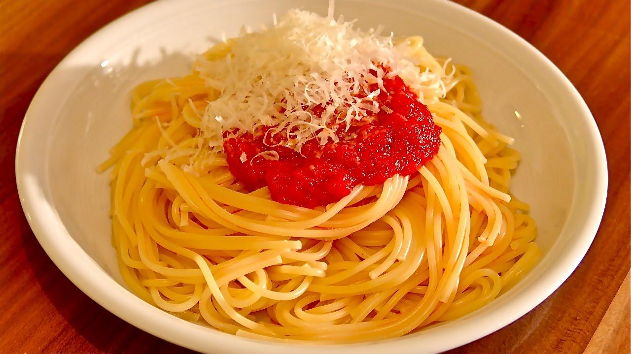 schnelle tomatensauce aus frischen passierten tomaten pastasauce tomatenso e selber machen. Black Bedroom Furniture Sets. Home Design Ideas
