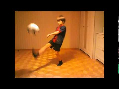 Młodzik W Akcji-piłka Nożna.