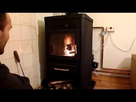 Piec kominek z płaszczem wodnym Rozpalanie Timelapse HD