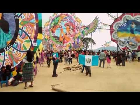 Barriletes de Sumpango 2016. Host Travel Guatemala