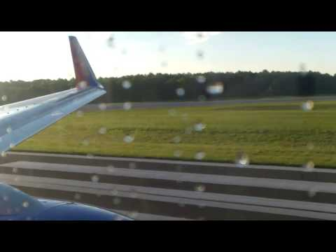 Southwest Airlines B737  takeoff from Long Island Islip McAuthur Aiport
