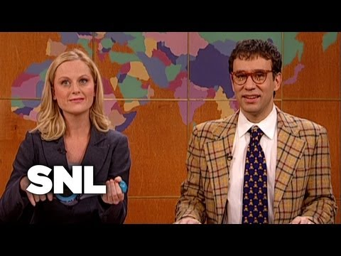 Amy Poehler Bumps It - Saturday Night Live