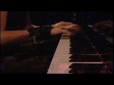 Maksim Mrvica playing Franz Liszt's Hungarian Rhapsody No. 2 (High Quality)