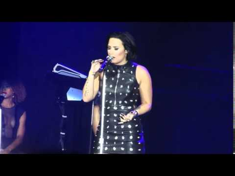 Demi Lovato singing Hello by Adele (Cover)