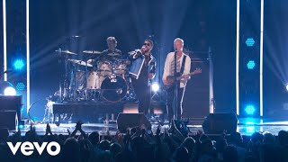 Download Lagu Englishman In New York/Don't Make Me Wait - Medley (LIVE From The 60th GRAMMYs ®) Gratis STAFABAND