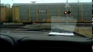 video this was just a random freight train video its a Union pacific 5390 its partner engine was a Union Pacific 3563 engine this was goin through rural St.Elmo Illinois.