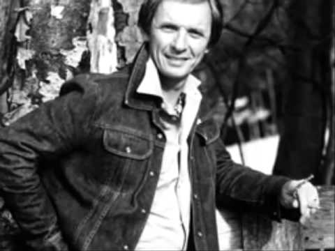 Mel Tillis - Destroyed By Man