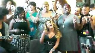 Beyonce Irreplaceable  acoustic at a Hospital. AMAZING!