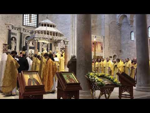 Праздничная служба в базилике Святителя Николая. Город Бари, Италия 2017