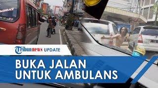 Viral Video Orang dengan Gangguan Jiwa Buka Jalan untuk Ambulans agar Bisa Lewat di Bandung