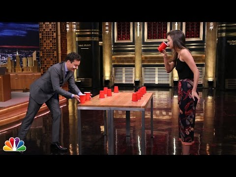 Mirranda Kerr VS Jimmy Fallon au FlipCup !