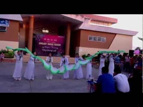 Múa Việt Nam quê hương tôi - Lớp 12A2 - Trường THPT Tân An [2012-2013]