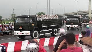 Đoàn xe đưa bác Trần Đại Quang về tới Ninh Bình