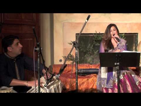 Anisha Bakshi Sings Gali Me Aaj Chand Nikla