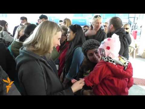 Laureați ai Premiului Nobel pentru Pace merg în Serbia în sprijinul refugiaților