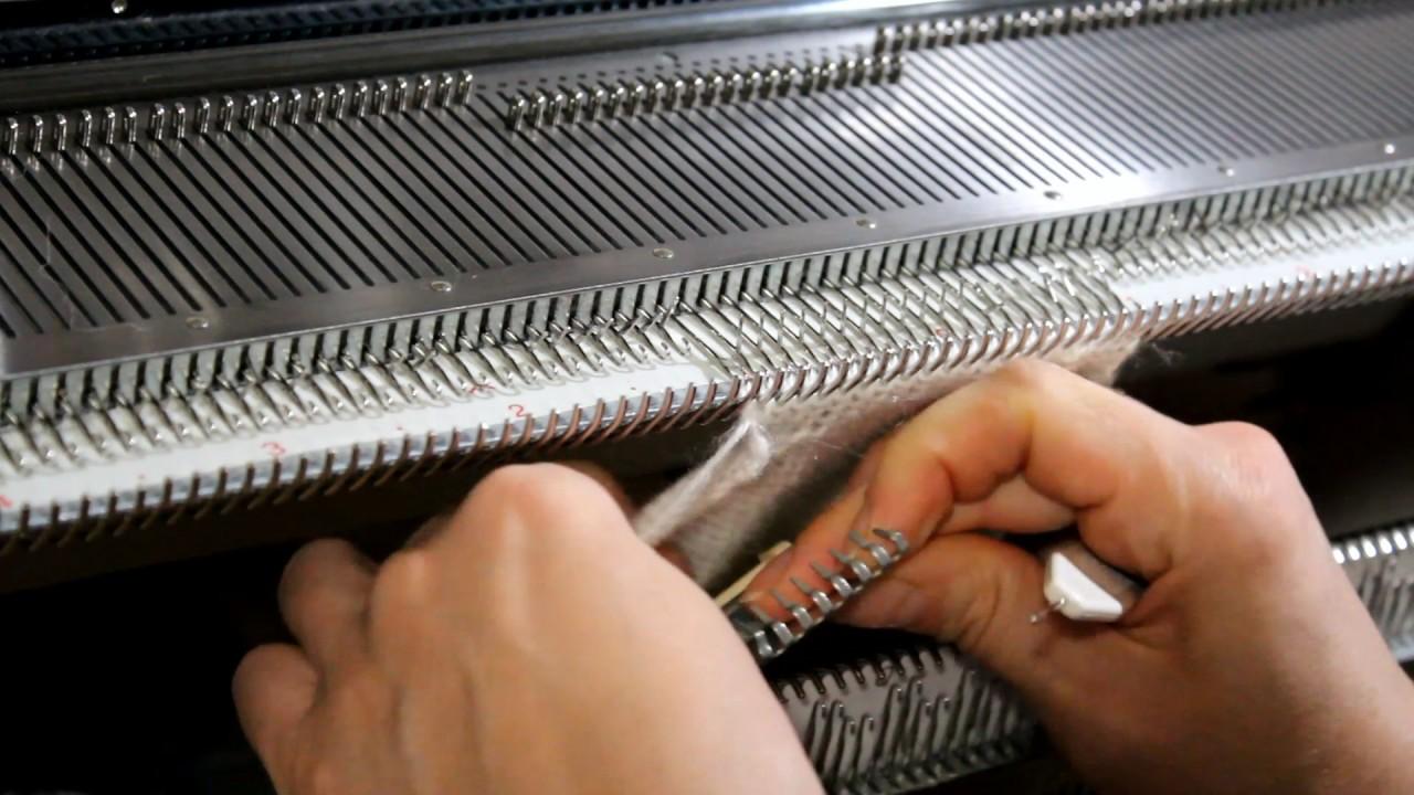 Вязание рукава на вязальной машине 23