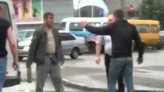crazed passenger attacks gypsy cab in Russia