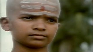 Rudraveena || Chuttu Pakkala Choodara Video Song || Chiranjeevi, Shobana