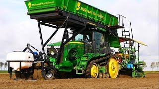 Planting Flowerbulbs in Netting | JD 8360RT + New Holland T7