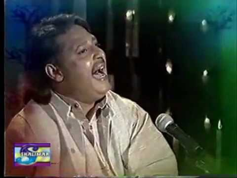 Youtube - Allah Ditta Lonay Wala Singing Allah Mulak Tu Sohni.flv video