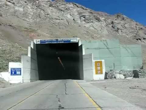 Tunel del Cristo Redentor Paso Internacional Argentina Chile Las Cuevas Mendoza