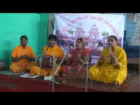 Thoda Dhyan Laga Guruvar Daude Daude Aayenge