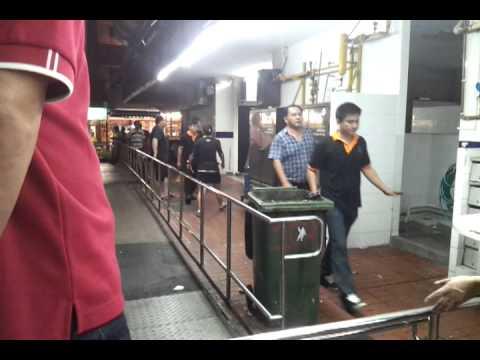 Rising of china gang whacking singaporean in HG