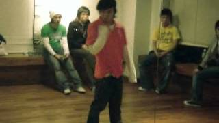 G-Dragon - Dancing to Beep By Pussycat Dolls