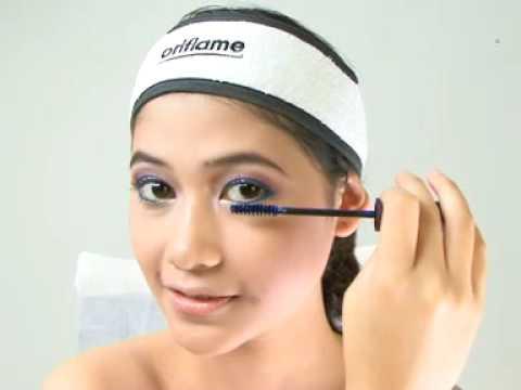Artikel Tentang Desain Grafis on Up Wajah Bersama Dina Tantri Menyamakan Warna Eye Shadow Dengan Warna