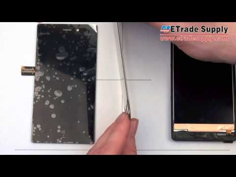 Comparison of Nokia Lumia 928 LCD screen and digitizer assembly and Nokia 920 LCD screen