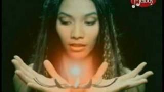 Watch Anggun La Rose Des Vents video